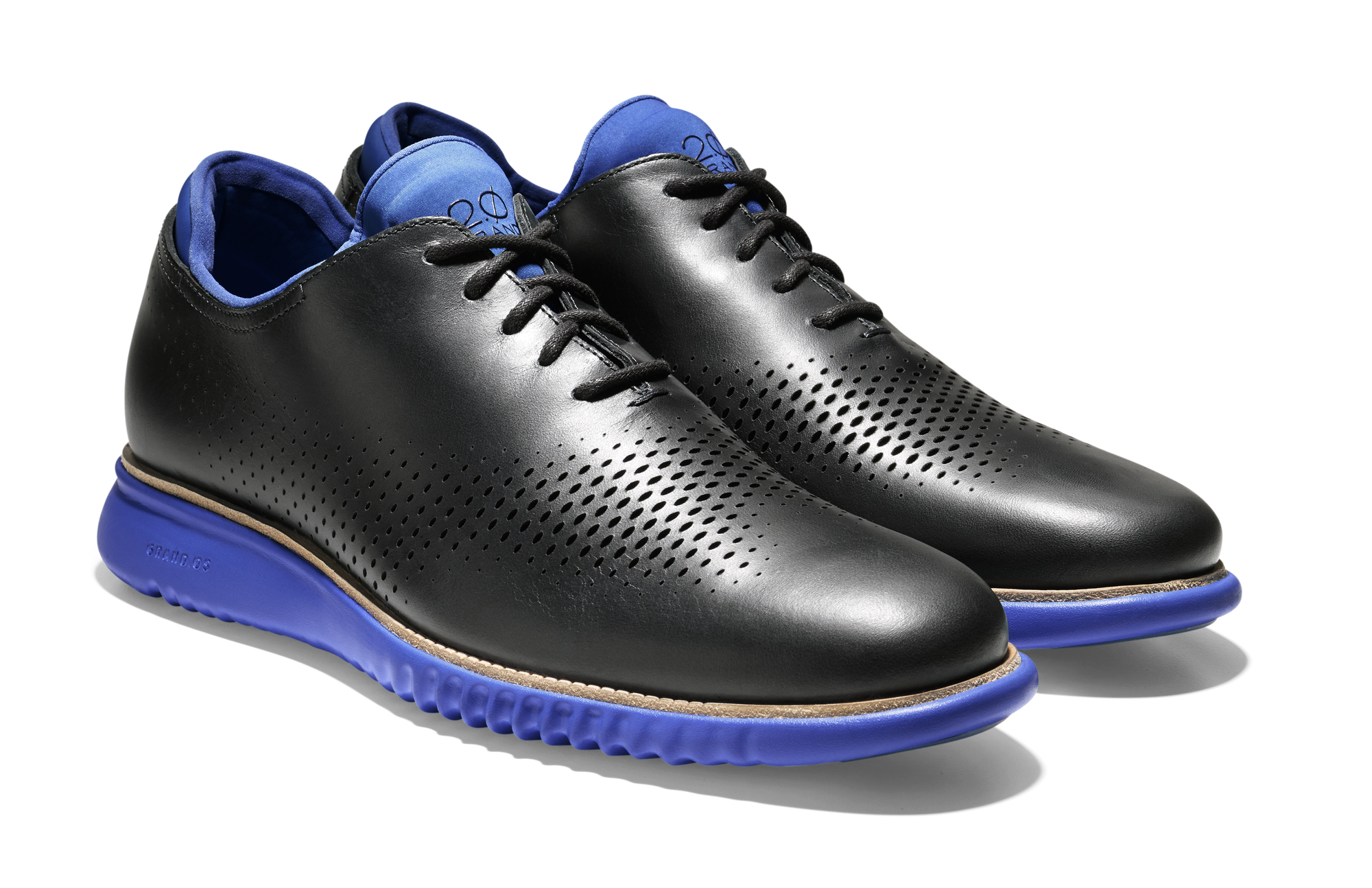 Cole Haan_2. ZERØGRAND Wing Oxford_BlackBristol Blue